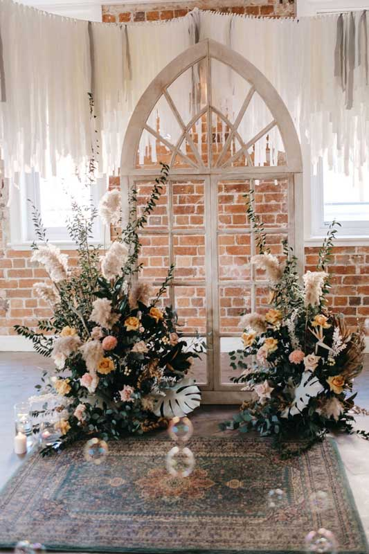 sprout dining ceremony arch